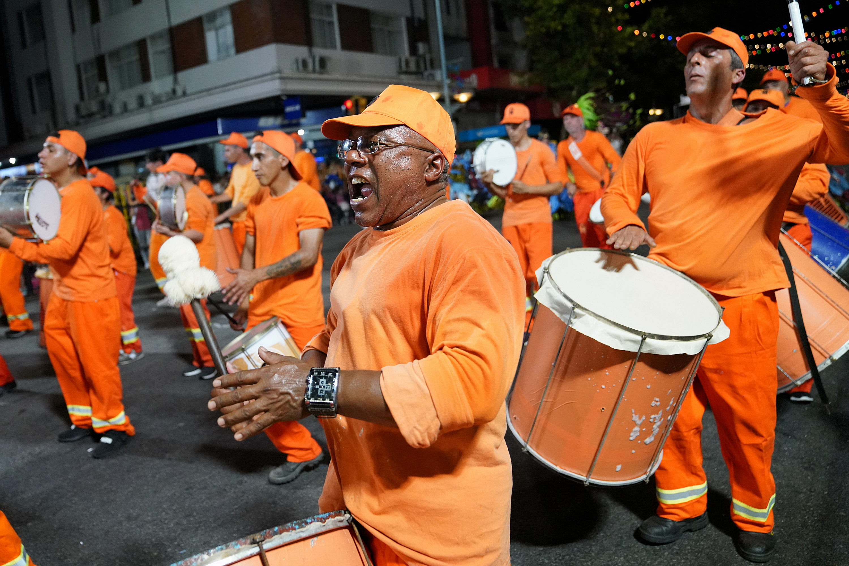 Varios integrantes de Escuela de Sambas en el Desfile de Escuelas de Samba 2019