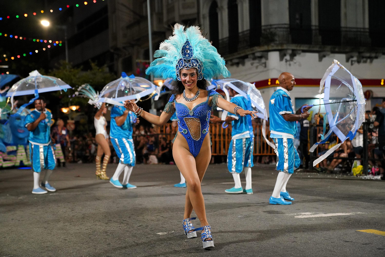 Integrante de Escuela de Samba en el Desfile de Escuela de Samba 2019