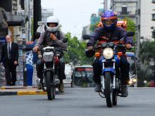 Circulación de motos en Avenida 18 de julio