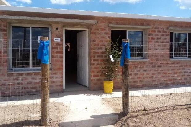 Tercer entrega de viviendas de realojo del Proyecto Cauceglia