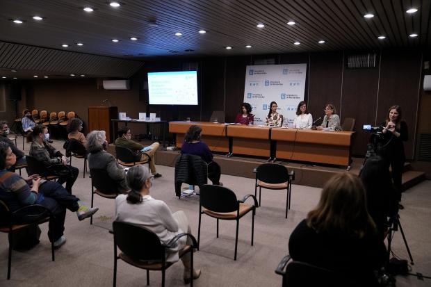 Presentación de investigación sobre género y cultura