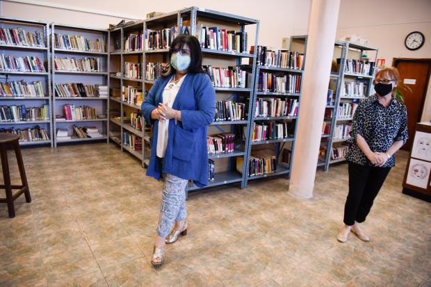 Recorrida de bibliotecas por parte de la Directora de Cultura