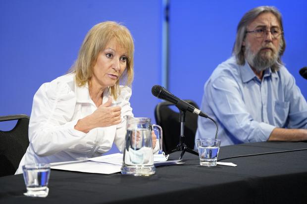 Conferencia de prensa de la Intendenta en el Teatro Solís