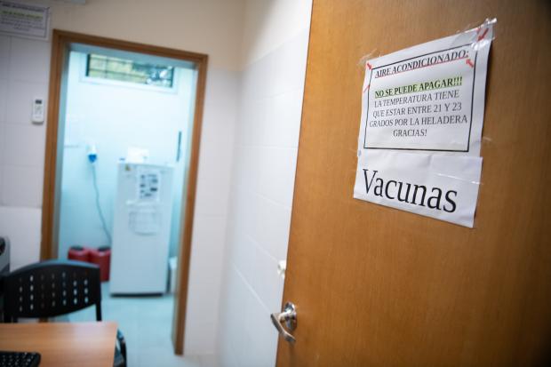 Vacunación en policlínica Zully Sánchez