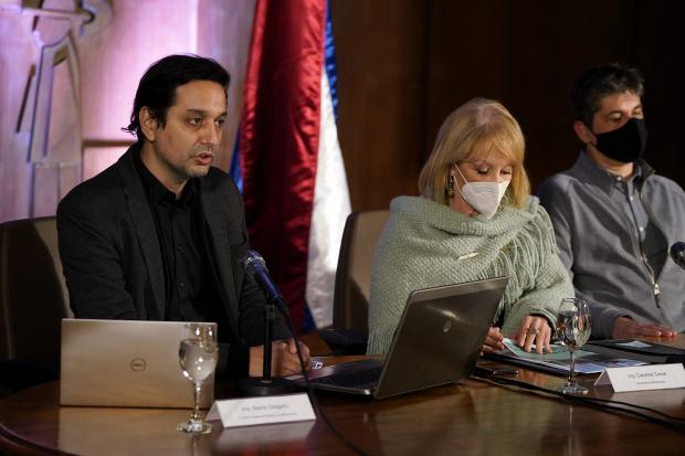 Conferencia de prensa sobre permisos de construcción en Montevideo