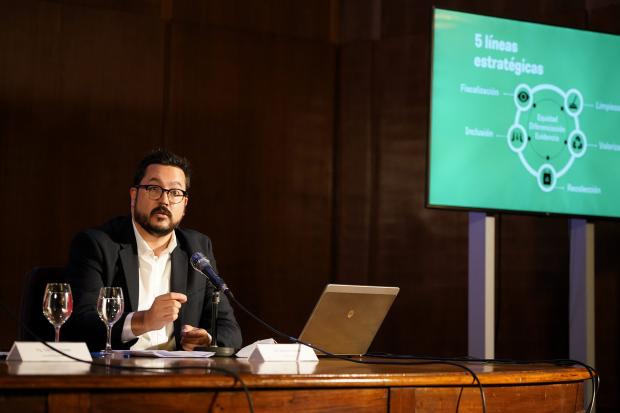 Presentación estratégica de gestión de residuos y plan de acción
