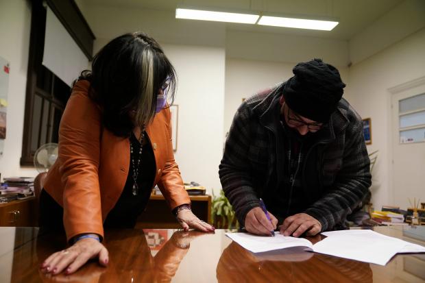 Firma de acuerdo entre el Departamento de Cultura y la Red de Escenarios Populares