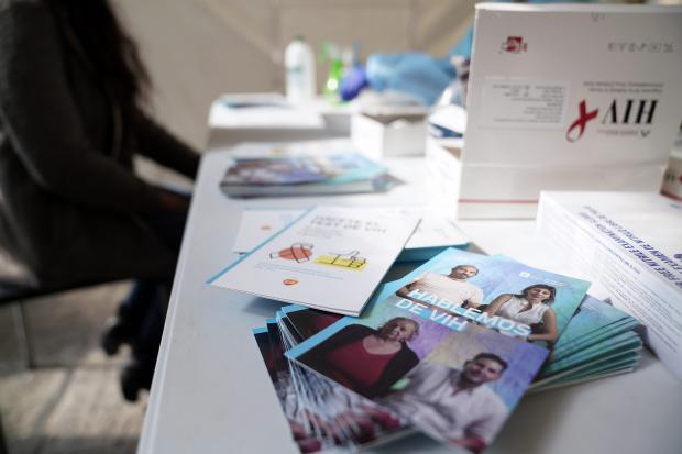 Jornada de test gratuitos de VIH en la explanada de la Intendencia