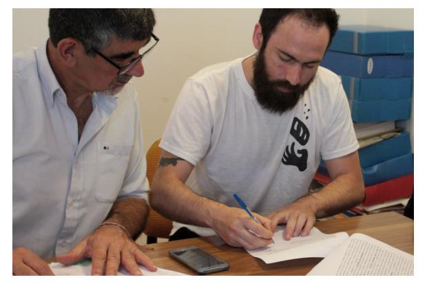 Firma de convenios de propuestas ganadores del PP