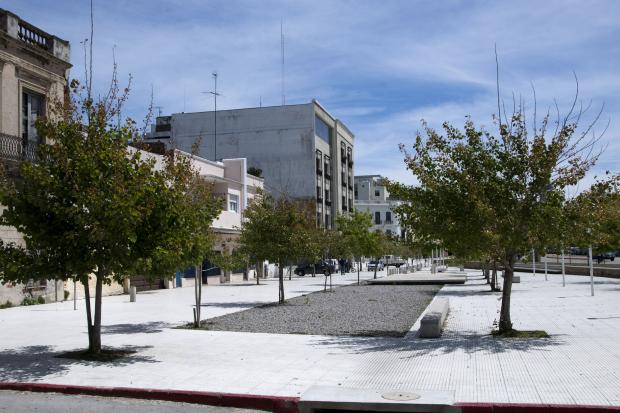 Plaza en Rambla 25 de agosto