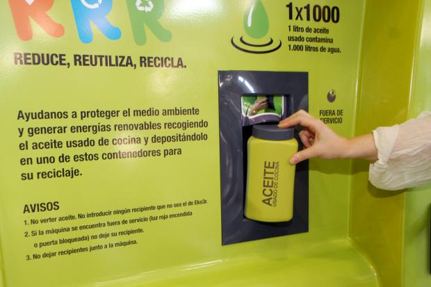 Reciclaje de aceite doméstico.