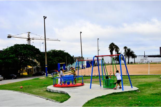 Plaza Argentina. Dique Maua