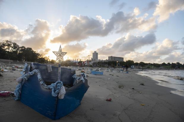 Jornada especial de limpieza en playas por Celebración Iemanjá