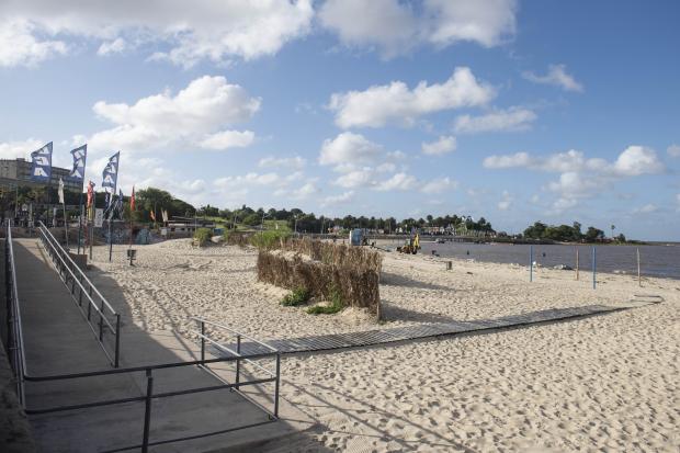 Limpieza de las playas por fiesta de Yemanjá