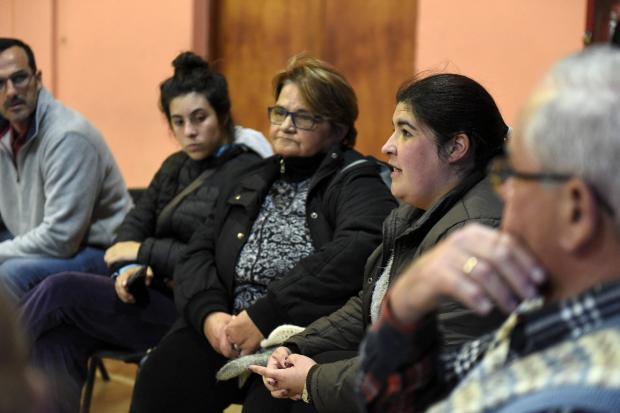 Reunión con vecinos de Flor de Maroñas en el complejo SACUDE