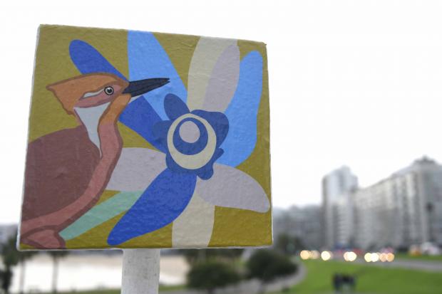 Interveción para diseñar las letras de Montevideo por el Día del Medio Ambiente.