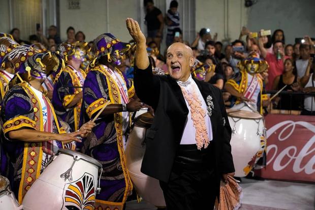 Julio «Kanela» Sosa en Desfile de Llamadas