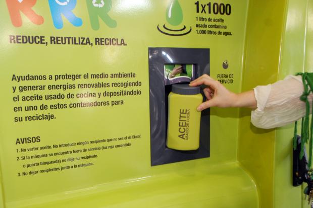Comienza reciclaje de aceite de cocina en montevideo - Aceite usado de cocina ...