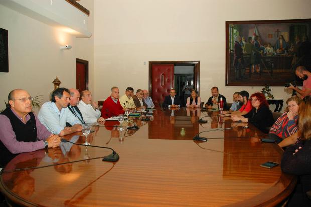 Firma de Compromiso de Gestion Intendente y Alcaldes