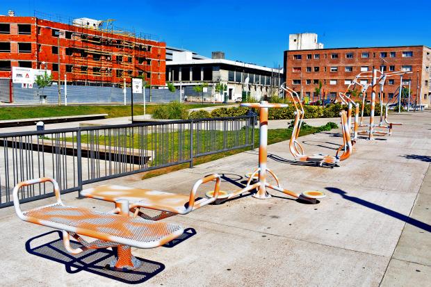 Montevideo Mejora  Equipos Reparados por Convenio INR - IM Plaza Jose Pepe D Elia