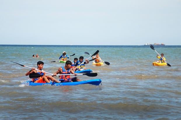 Clase de canotaje en Playa Ramírez