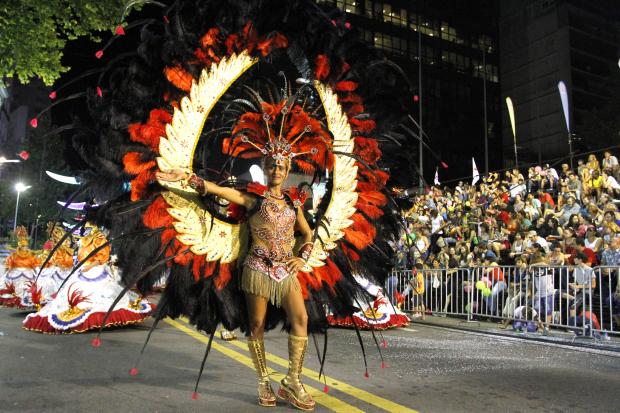 Desfile escuelas de samba avenida 18 de julio