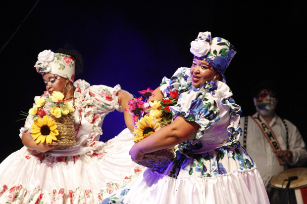 Lubolos Yambo Kenia en el Carnaval 2017