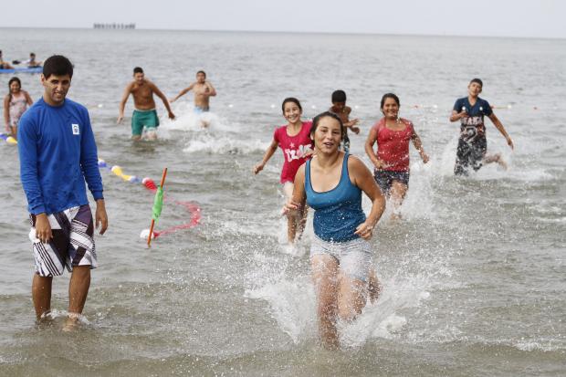 Clases de canotaje y natación