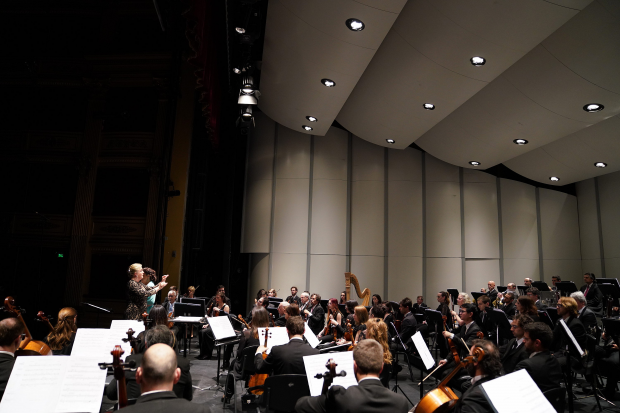 "Concierto de la Orquesta Filarmonica ""La poesia en la musica"""