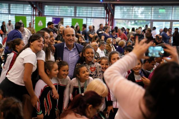 Inauguracion de gimnasio polivalente en el Municipio G