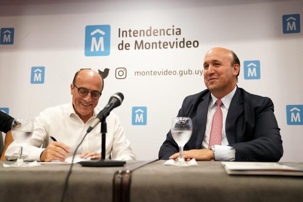 Firma del contrato de obra del tunel de Av. Italia
