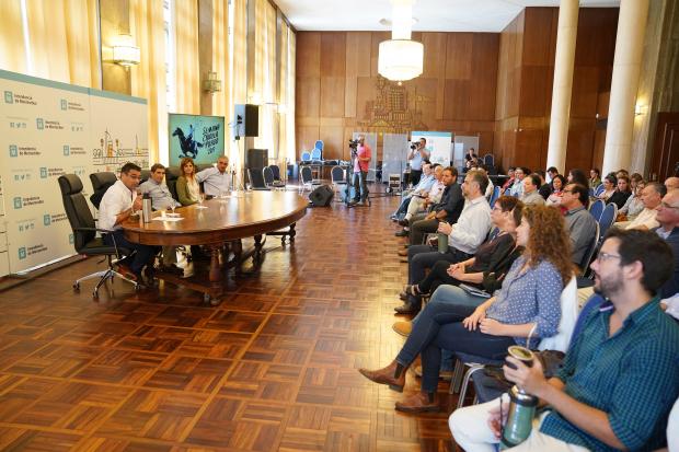 Lanzamiento semana criolla del Prado
