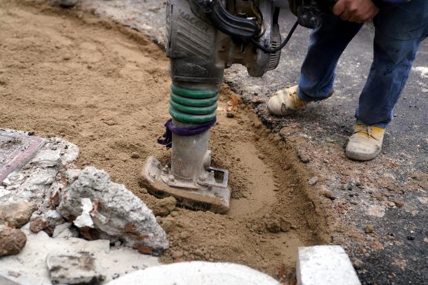 Recorrida de obras en la calle Magallanes
