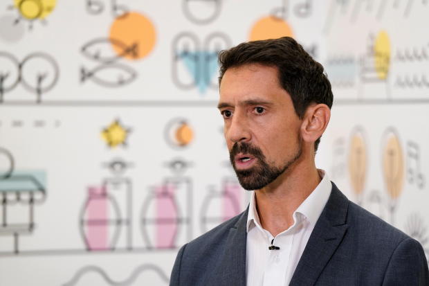 Director de Recursos Financieros Juan Voelker