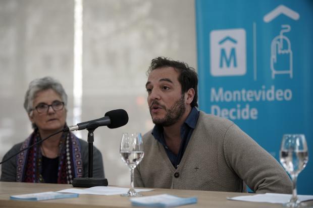 Firma de convenios por Montevideo Decide