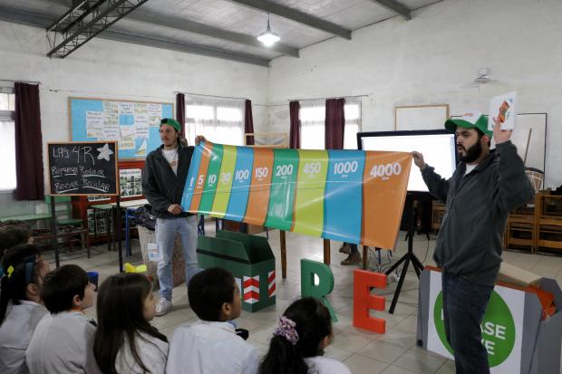 Capacitacion en educacion ambiental en escuelas de Montevideo.