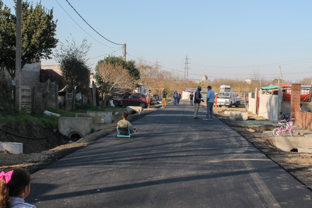 Asfaltado en barrio Maracaná Norte en el marco del Plan ABC