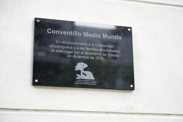 Placa de memoria ex Conventillo Medio Mundo
