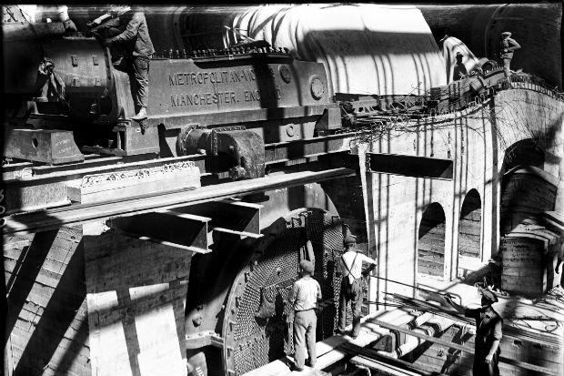 Central Batlle y Ordóñez en construcción. Años 1930-1931. (Foto: Colección UTE No. 17. Autor: S.d./Sodre).