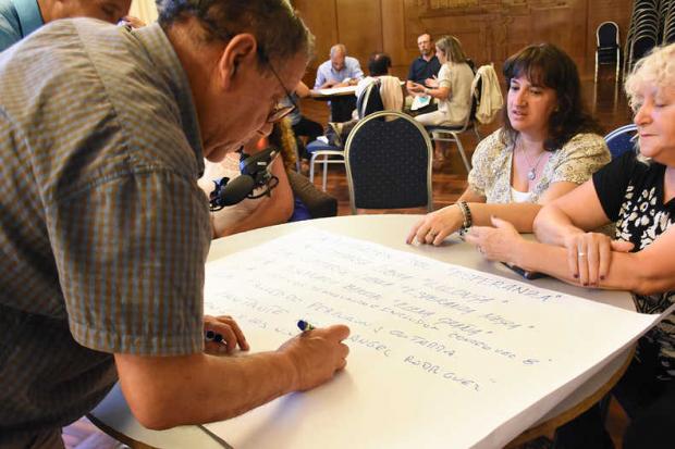 Reunión Red de Concejales Vecinales, CCZs y Municipios