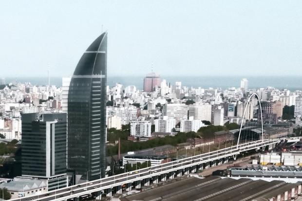 Construcción de viaducto en rambla portuaria