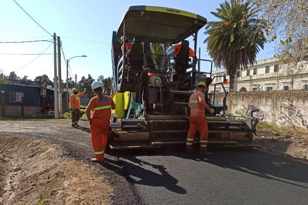Asfaltado en calles de barrio La Carbonera en el marco del Plan ABC