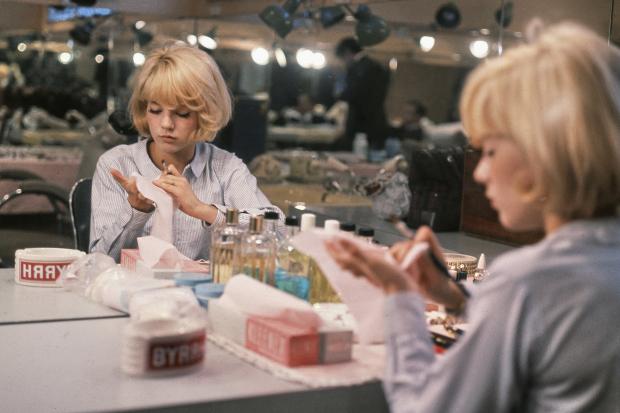 Sylvie Vartan, Campus L'Oréal, Clichy, Francia. Año 1964. Técnica: analógica, película Kodak Ektachrome, 60x60mm. Autor: Roger Kasparian.