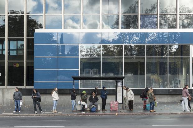 Isabella Finholdt. Parada. Montevideo, 2016. Fotografía digital.