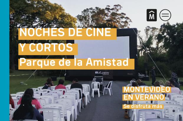 Noche de cine y cortos en Parque de la Amistad. Montevideo en verano.