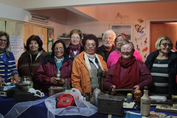 Personas mayores participando de actividades de Activamente