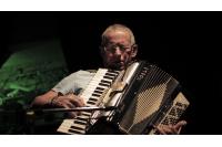 Hugo Fattoruso. Teatro Vinilo, Buenos Aires, Argentina. Año 2015