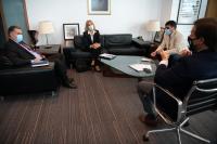 Reunión entre Luis Lacalle Pou, Carolina Cosse, Yamandú Orsi y Andrés Lima.