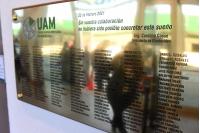 Placa en reconocimiento a trabajadoras y trabajadores  de la UAM