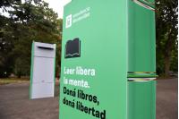 Donación de libros en el Jardín Botánico